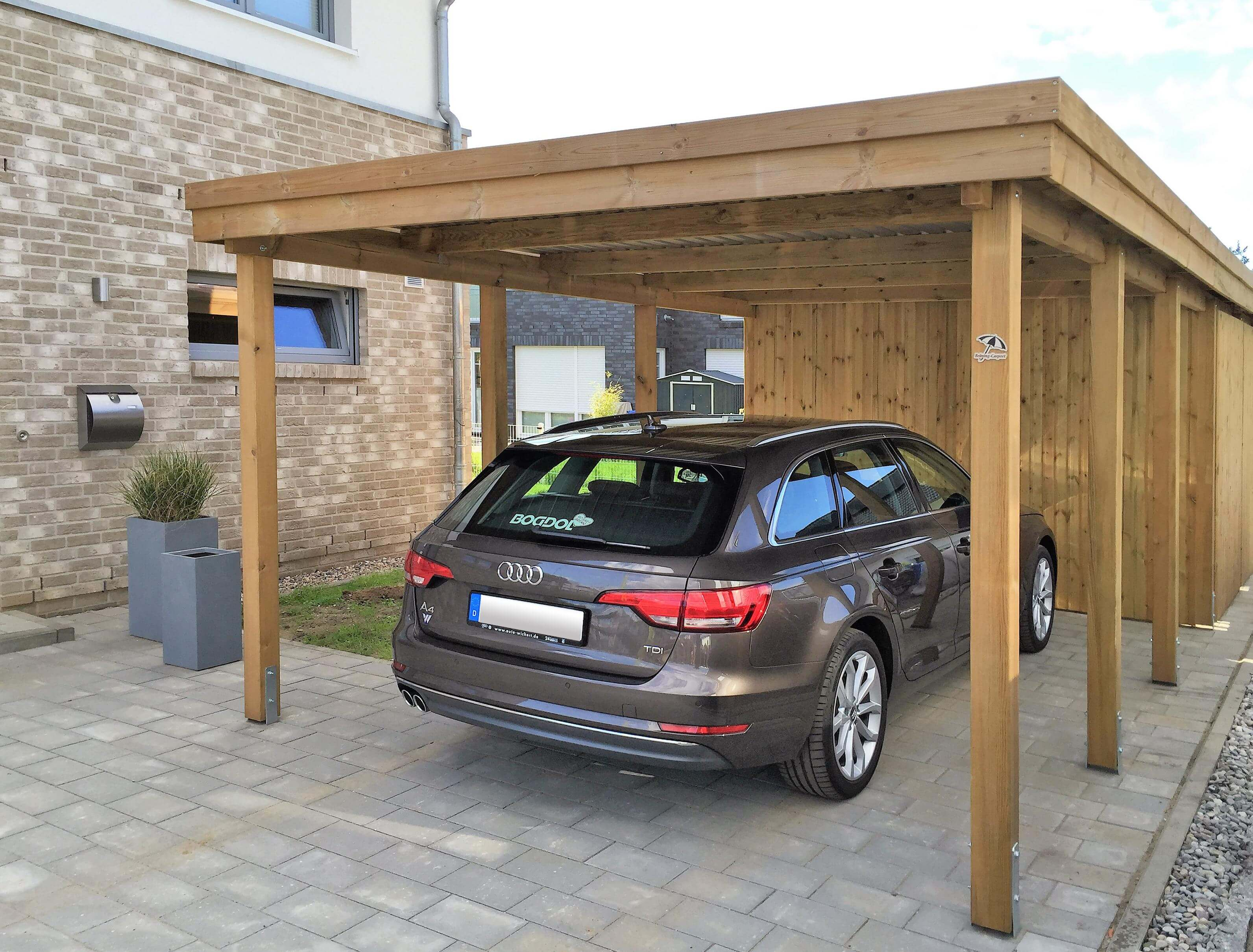 flachdach carport mit abstellraum news detail br ning carport. Black Bedroom Furniture Sets. Home Design Ideas
